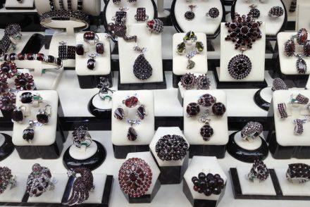 Szeroki wybór biżuterii dla każdego